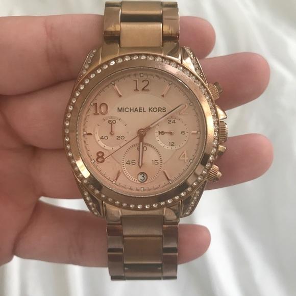 5b9c541b704 Michael Kors MK6357 rose gold Watch. M 5b0de78bfcdc31b3cce106dd